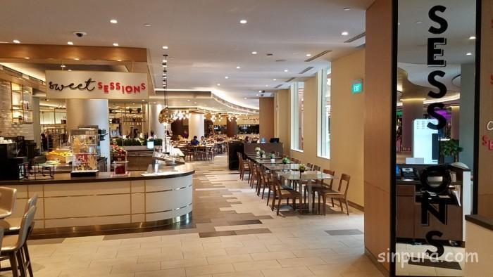 ハードロックホテルシンガポールのレストランでディナービュッフェ。