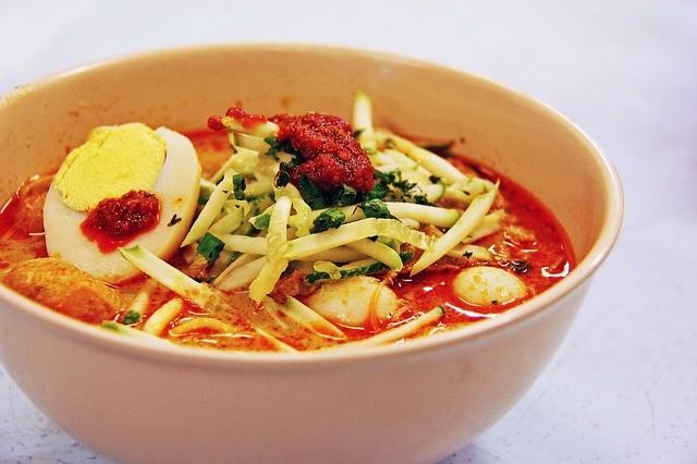 シンガポールのラクサ!!おすすめ店はこちら!ラクサを鍋で食べる?