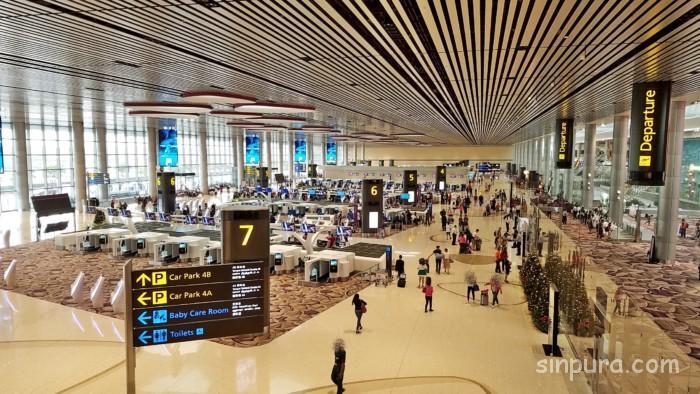 チャンギ空港ターミナル4でお土産や食事は?ラウンジ等も徹底調査!
